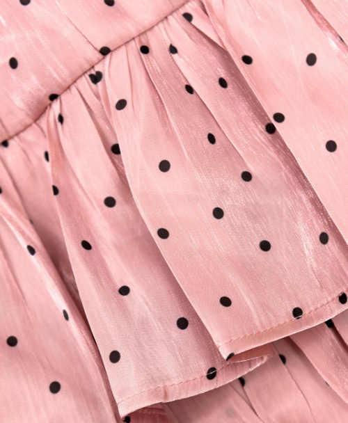 Rövid rózsaszín fodros szoknya, kis pöttyös