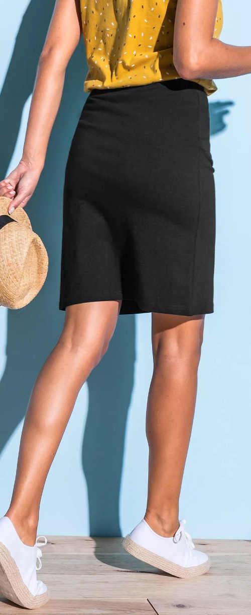 Egyszínű, egyenes, fekete női szoknya