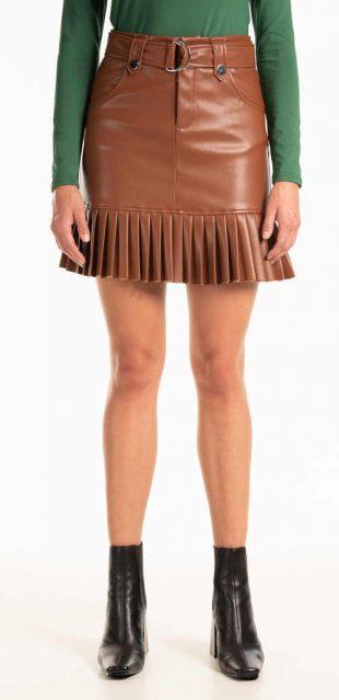 Modern rövid szoknya műbőrből, pliszírozott szegéllyel
